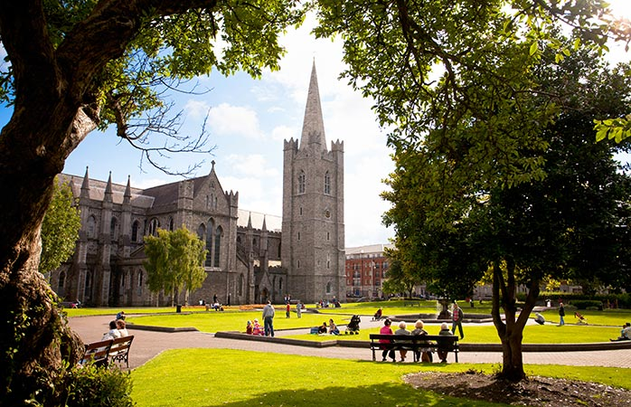 Take a break in St Patrick's Park and admire the majestic St. Patrick's Cathedral